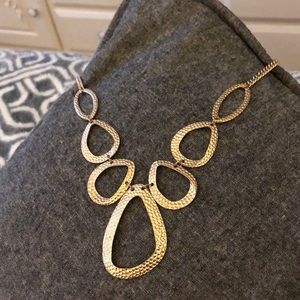 Gold/bronze necklace.